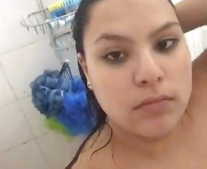Chubby teen taking a shower gordita jovencita