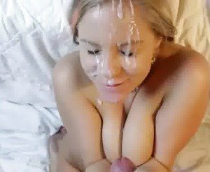 Cum on her, she likes it