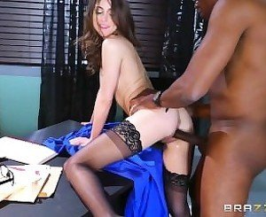 Brazzers - Riely Reid sucks some big black cock